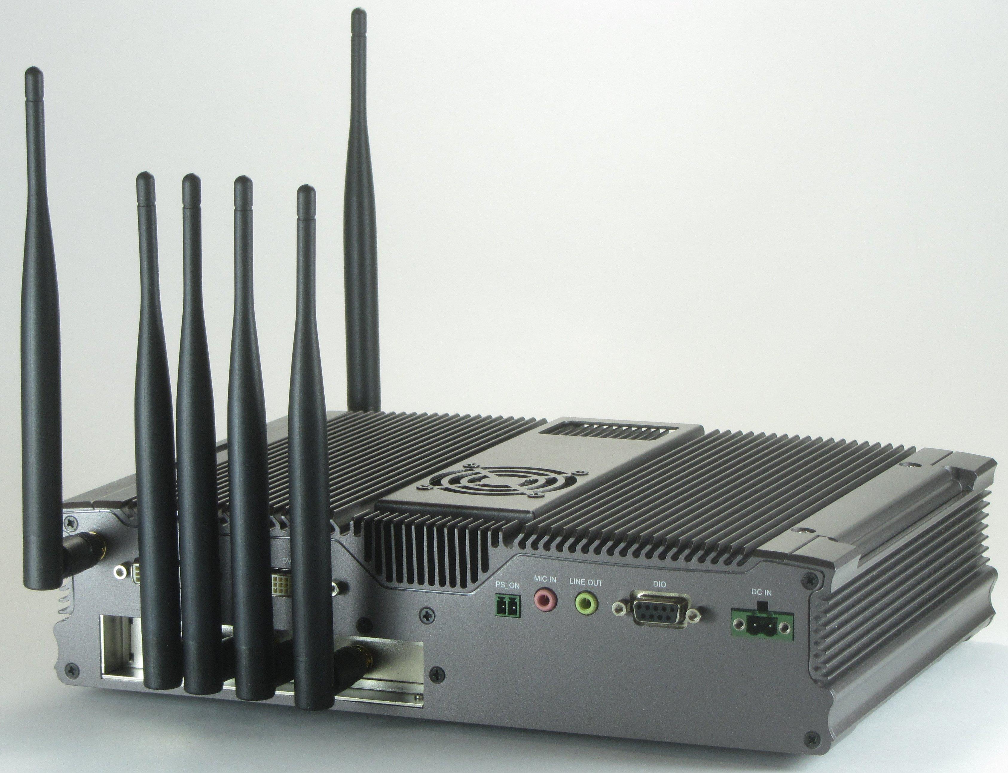 CT521-64 LANforge WiFIRE 802 11a/b/g/n dual-radio WiFi Traffic